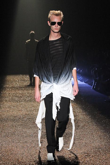 Nicolai Haugaard3077_SS11_Tokyo_@IZREEL(Fashionsnap)
