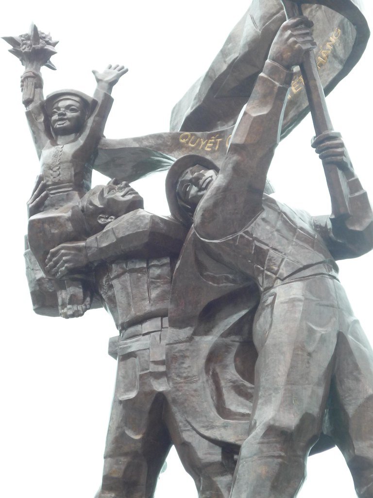 Statue outside the museum, Dien Bien Phu, Vietnam