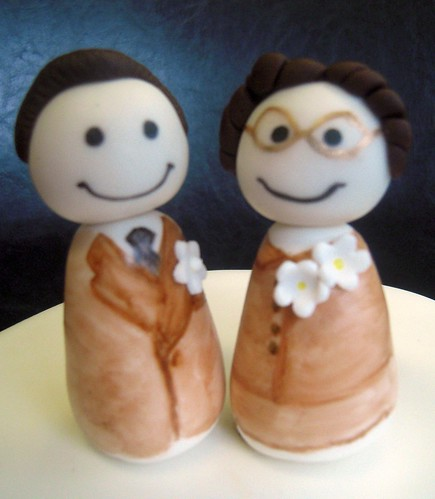 "Sculpted sugar cake topper, ""Colleen & Leon"""