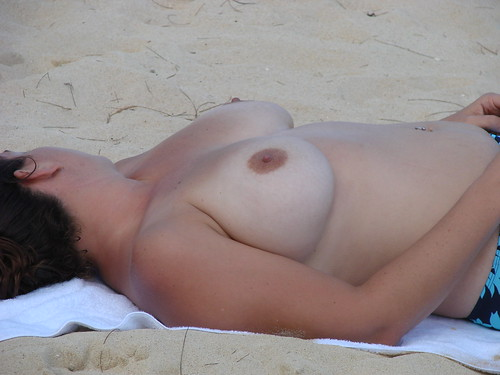 sexy candid beach voyeur videos new pics: nudebeach