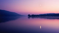 coniston twilight (Dennis_F) Tags: uk autumn trees england sky moon lake reflection tree fall water landscape see evening mond twilight wasser unitedkingdom district sony united herbst lakedistrict himmel sigma kingdom berge moonrise fullframe dslr 50 landschaft bume lakeland spiegelung coniston baum thelakes 50mmf14 abends thelakedistrict sigma50mm sigmalens conistonwater mondaufgang zwielicht a850 festbrennweite sonyalpha sonydslr vollformat sigma5014 sigma50mmf14 sigmaobjektiv dslra850 sonya850 sonyalpha850 alpha850