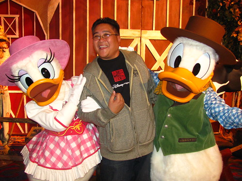 Meeting Farmers Daisy and Donald at A Disney Family Thanksgiving Feast