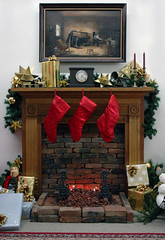 fireplace (Sarah P. Mandel) Tags: red holidays christmasmuseum