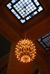 Grand Central (陈霆, Ting Chen, Wing) Tags: chandelier grandcentral kronleuchte 吊灯 大中央车站
