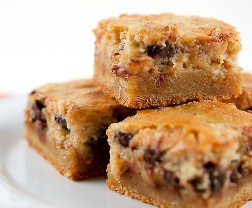 Pecan Pie Gooey Butter Cake