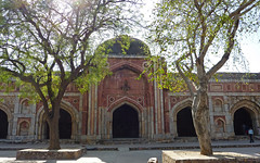 Mehrauli Archaeological Park (Isabel-Valero) Tags: india travel monument new delhi