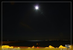 nuit-lune (Rached MILADI - ) Tags: voyage moon reflection night lune lumix mond noche nacht luna panasonic reflet reflejo nuit fz tunisie glint  38        salammbo rached  salammb salambo miladi widerschein  salamb rachedmiladi  fz38 dmcfz38