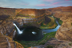 Palouse Falls Sunrise (parkflavor) Tags: sunrise river waterfall washington lee filters palousefalls gnd singhray rgnd