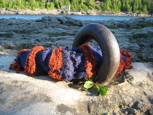 guerilla knitting - mooring cozy2