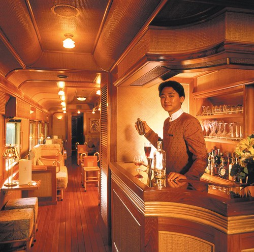 Bar - Eastern Oriental Luxury Train