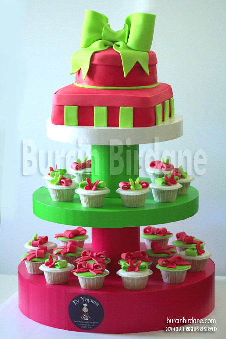 Baby Shower Cupcake Tower 1