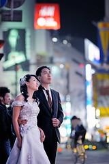 Pre-wedding photography in Tokyo (Alfie | Japanorama) Tags: wedding people japan night tokyo couple shibuya streetphotography weddingdress weddingphotos weddingphotography streetportraiture preweddingphotographytokyo weddingphotographytokyo preweddingphotographyjapan weddingphotographyjapan marriedcoupleshibuya japanat0night