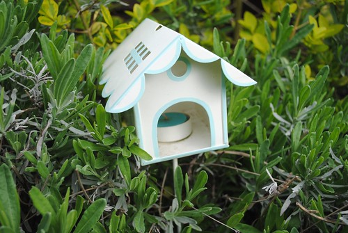 Bird house tea light holder