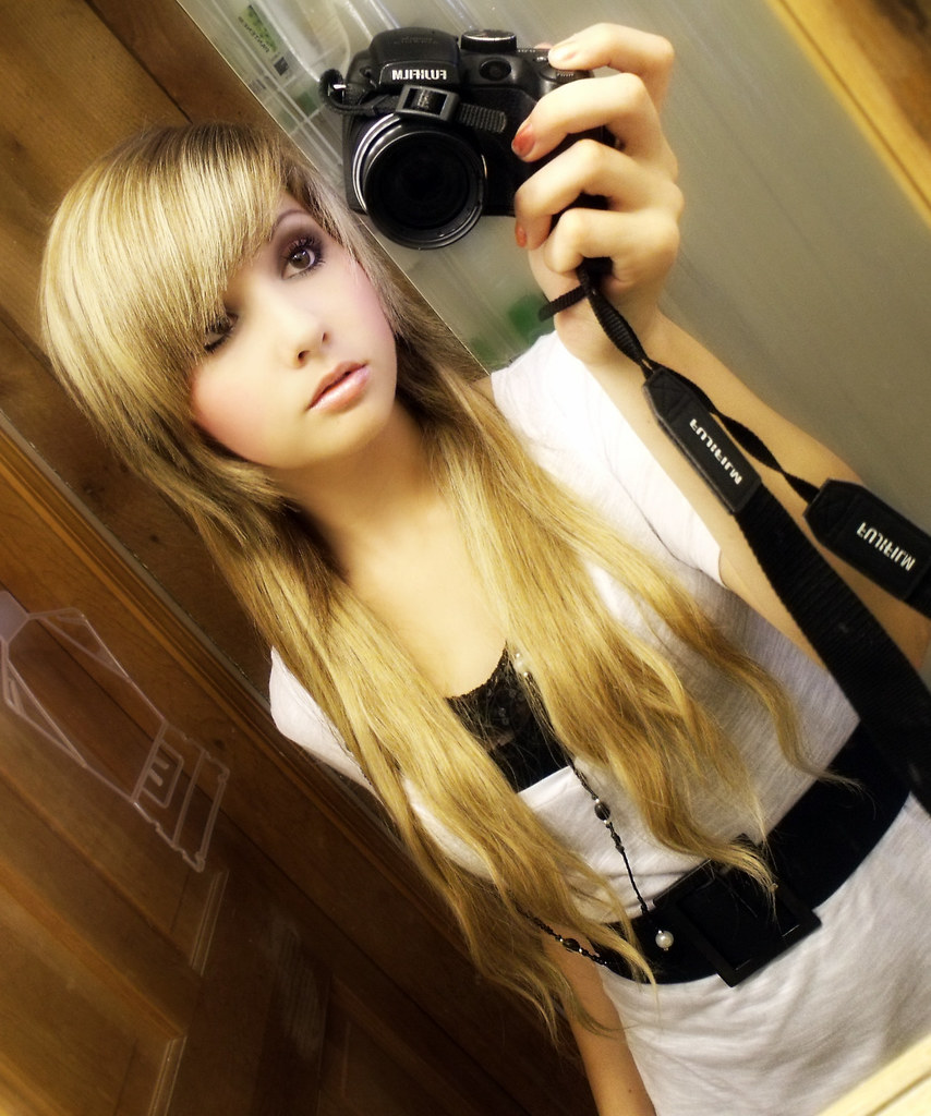 emo girl hot