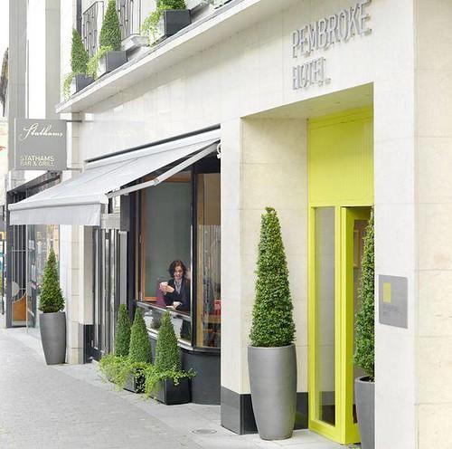 pembroke-hotel-kilkenny-entrance