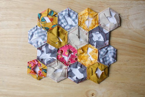 How To: Hexagon Quilt Top Piecing