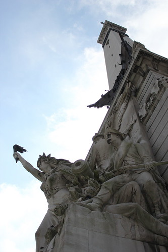 100911. soldiers and sailors monument. look at the little ships way up there!
