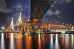 [フリー画像] 建築・建造物, 橋, 夜景, タイ王国, バンコク, 201009170500