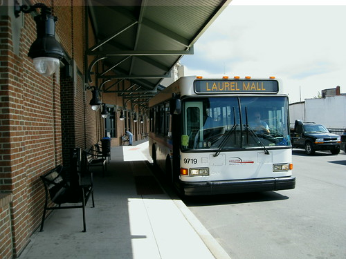 om om: bieber bus