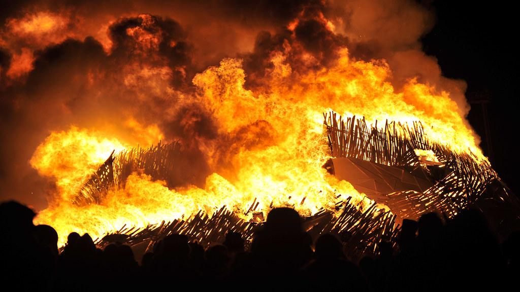 Burning Man 2010 - Metropolis: Temple of Flux Burn