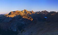 Sunrise above East Yosemite (David Shield Photography) Tags: california morning panorama lake mountains color sunrise nikon hiking backpacking yosemitenationalpark wilderness easternsierras northpeak mtdana saddlebaglake mtconnes