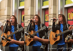 Jarek Hardy can sing (Dreamland's centre) Tags: cute concert live sing singer thejohnstones