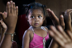 Smoky Mountain, Tondo - Feeding Programme (Mio Cade) Tags: poverty food mountain girl kids kid child hand feeding philippines nixon aid manila feed smoky ministries pastor programme malaya tondo