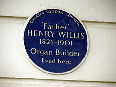 Photo of Henry Willis blue plaque