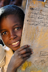 Smile for peace -Dar4 (majedphotos.com) Tags: smile peace child islam dar darfur quraan darfour sodan alfor dar4 majedapps1