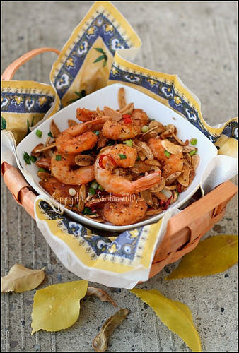 Deep Fried Shrimp ala Bie Fong Tong by Lidia