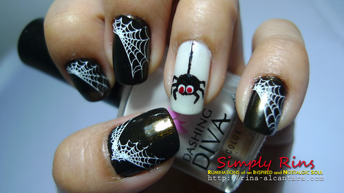 nail art halloween spiders 02