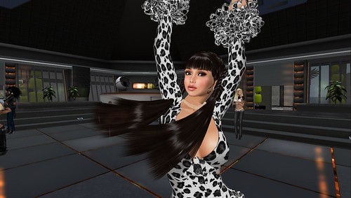 raftwet jewell at dj calrek nansen party