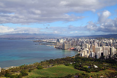 Honolulu as seen from Diamond Head Crater Rim (Dagonite) Tags: vacation lens island hawaii view oahu head diamond sp ii crater 7d di cannon if rim tamron f28 xr ld aspherical af1750mm