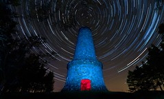 The Monument (Mike Cumming) Tags: trees light west monument car forest dark painting stars star climb scotland nikon rocks view fife bruce flash hill trails hike spooky pitch ghostly lomond bats apparition polaris scrape tyndall falkland d300 episode2 strobist sb900 onesiphorus
