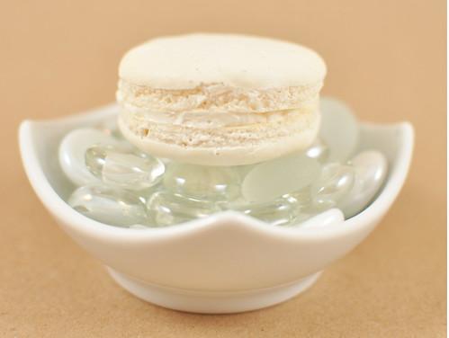 Vanilla Macaron 2