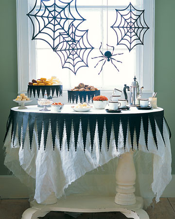 martha-stewart-tattered-tablecloth-spider-webs