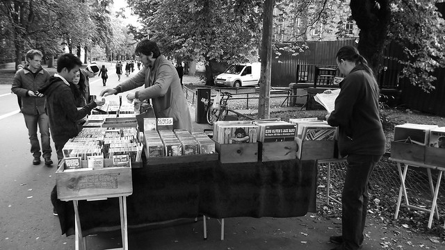 al fresco album browsing 01