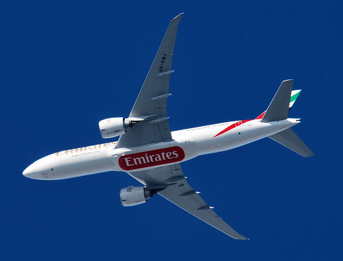 UAE147 Emirates Airlines Boeing 777 (A6-EWJ) at 5.775ft from Dubai ...
