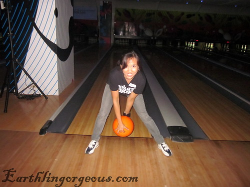 Funky Bowling bowl between your legs