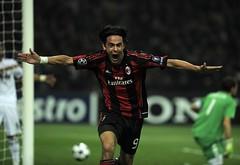 Pippo Inzaghi doppietta al Real Madrid