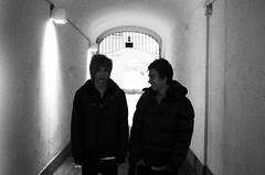 (Jesper Nordstrm) Tags: camera old two white black film sweden august laugh sverige persons dennis nordstrom sundsvall jesper svartvitt