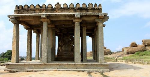 LowRes 2010-11-10 01 Hampi 02 Ganesh Monoliths 06 Sasivekalu Ganesha LP