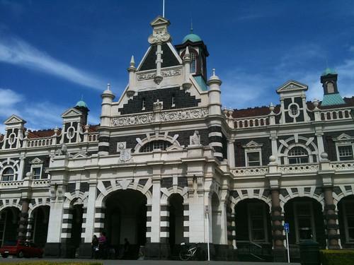 まるで宮殿のようなダニーデン駅