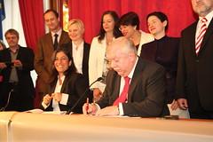 Unterzeichnung Koalitionspakt (gruenewien) Tags: wien grne rotgrn