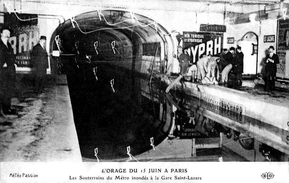 métro Saint-Lazare inondé après l'orage du 15 juin 1914