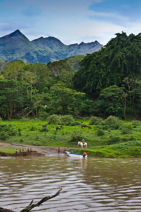 fijian village on the sigatoka river
