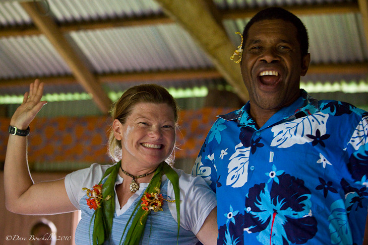 what to do in fiji - Fiji village dancing
