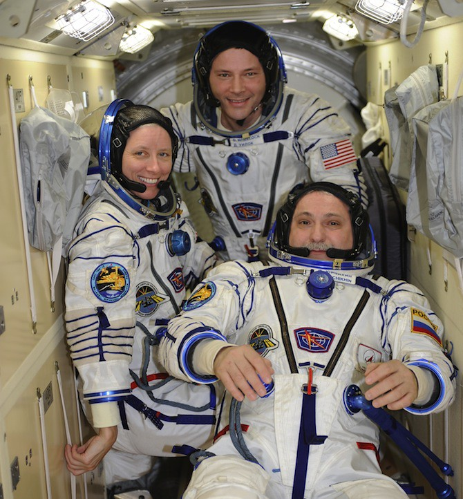 Incredible Photos from Space: Crew leaving the ISS