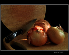 Know Your Onions (Picture post.) Tags: light stilllife food kitchen knife onions soe hdr choppingboard cookery photographyrocks mywinners flickraward mygearandmepremium mygearandmebronze