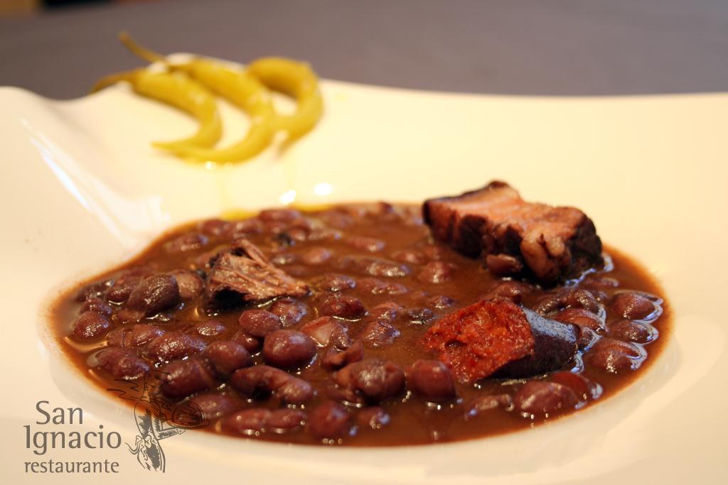 Alubias rojas de la abuela en el Restaurante San Ignacio, la mejor cocina tradicional de Pamplona